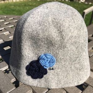 AMERICAN EAGLE Accessories - AMERICAN EAGLE OUTFITTERS LADIES GRAY WINTER HAT